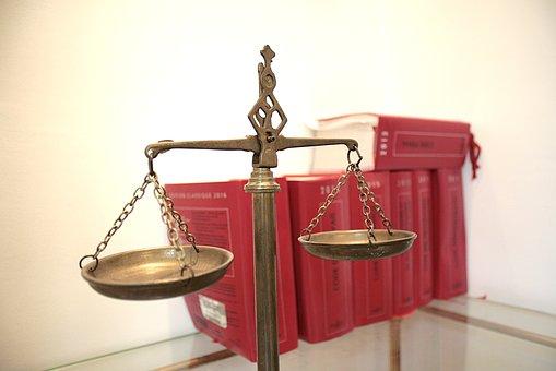 Проблемы в семье: когда обращаться к юристу?