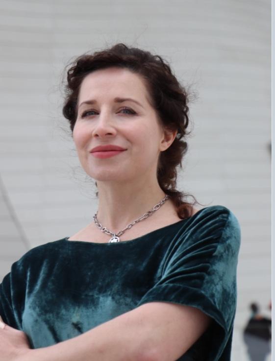 Ксения Зенкова. Женское лицо французской иммиграции
